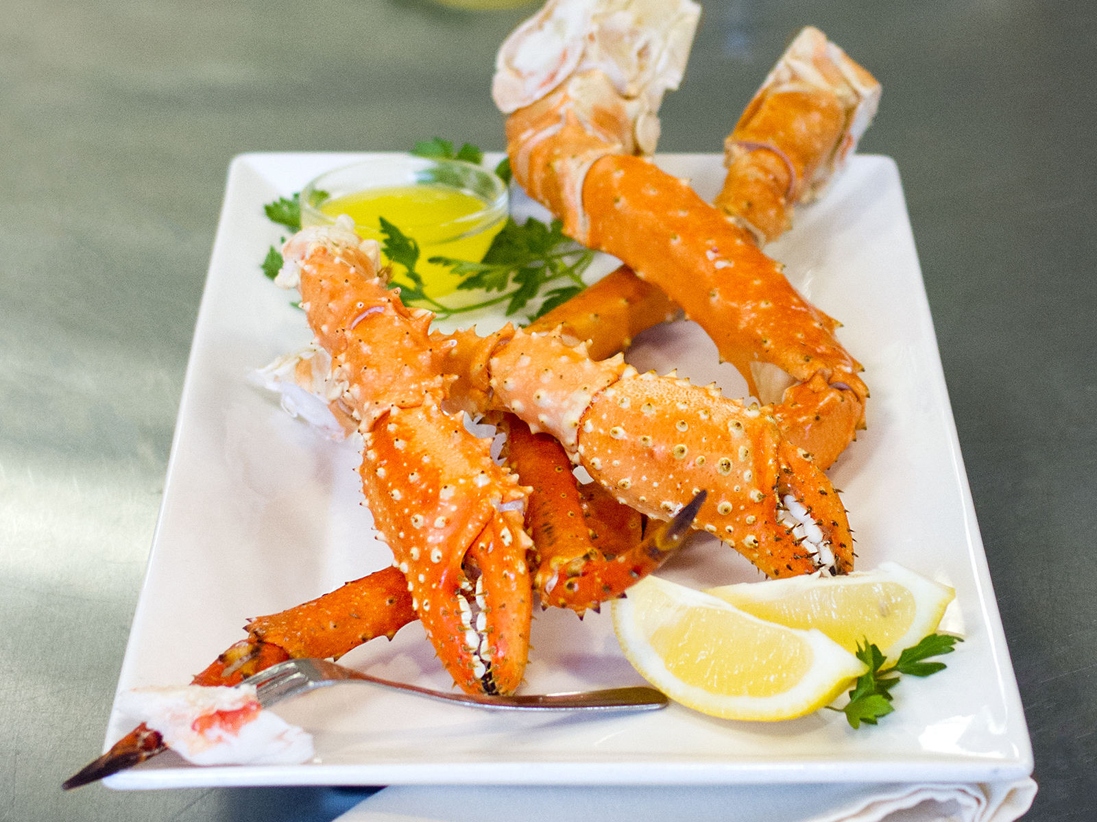 Golden King Crab Legs & Claws 20-25 Count (1/20 lb) 432105