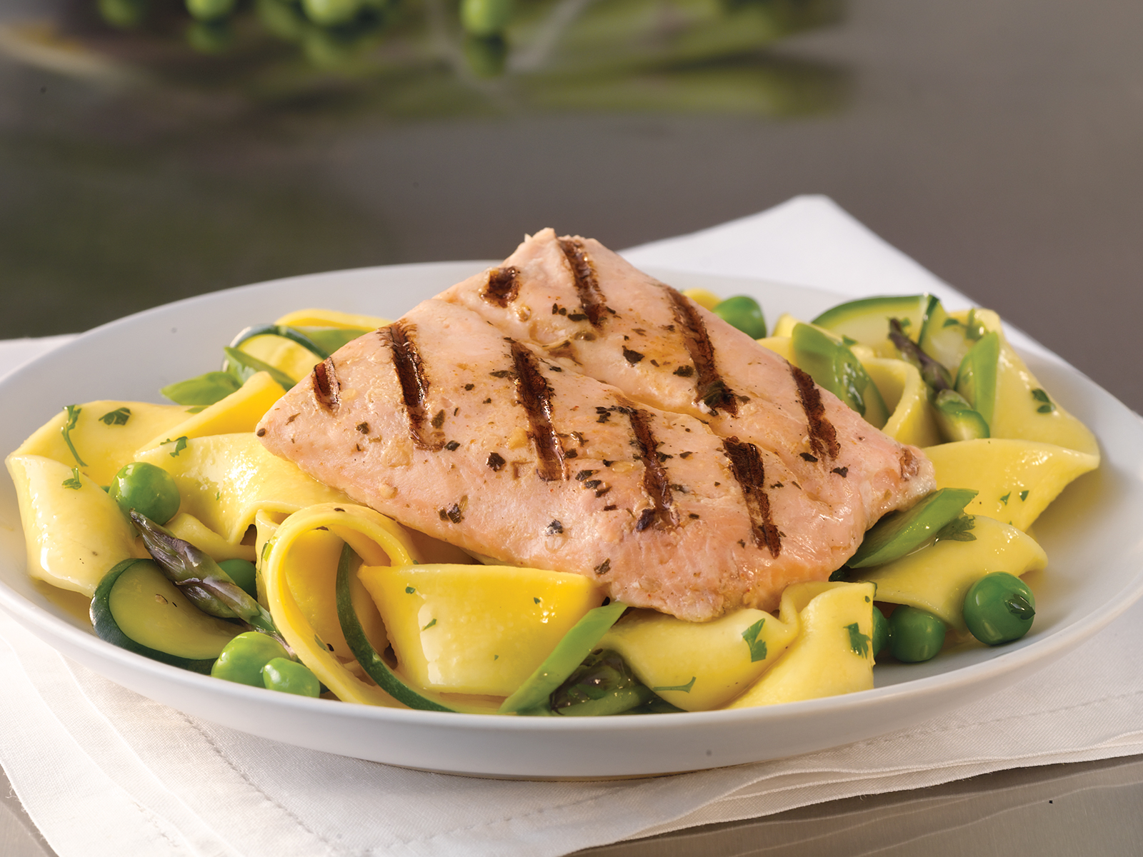 Redi Grilled™ Fully Cooked Salmon 3 oz Portions (10/12oz) 416748