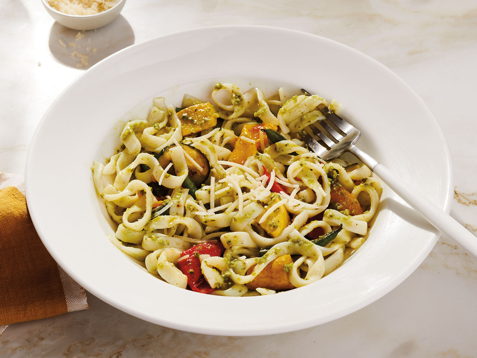 Protein Noodles with Pesto & Roasted Vegetables